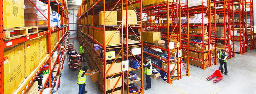 Der beste Weg, um Ihre Produkte zu versenden: Amazon FBA vs FBM vs 3PL